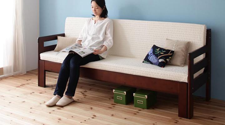 テレビや読書を楽しみたいときはソファに切り替えて。ゆったり寛げます。