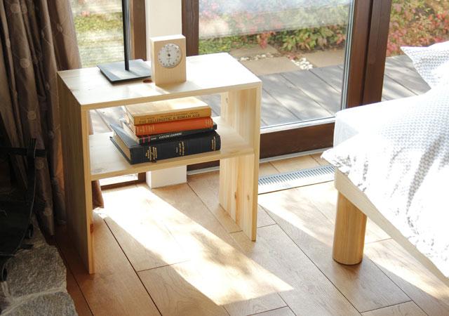 日本製ひのき無垢ナイトテーブル