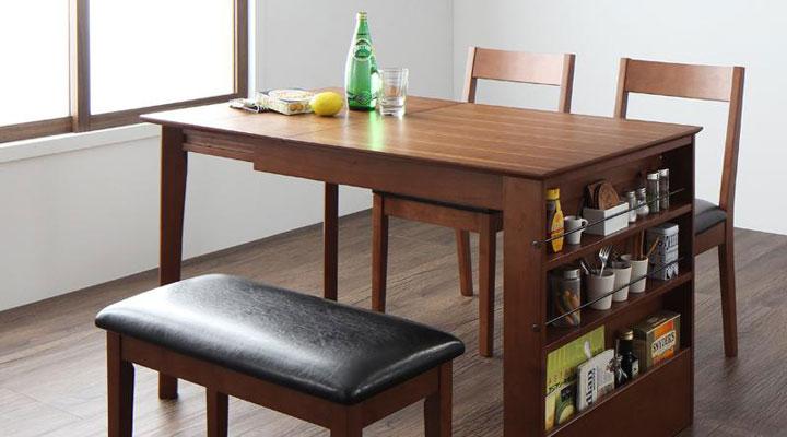 北欧デザイン伸縮テーブル。