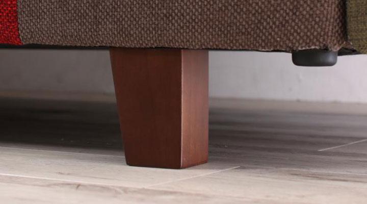 木製脚部。