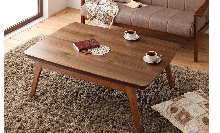 カフェ気分のテーブル