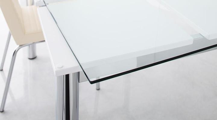天板は強化ガラス仕様。