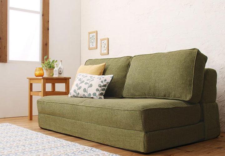 日本製折りたたみソファーベッド。