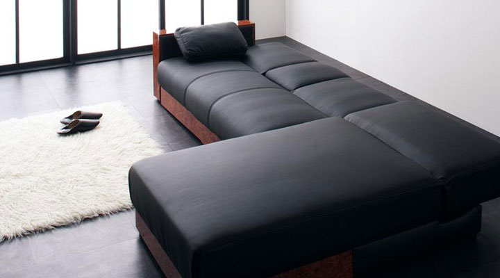 幅230cmのゆったりベッド。