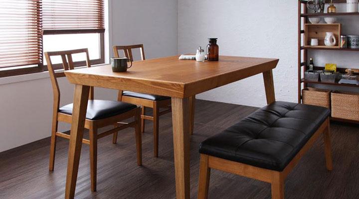 4点セット(テーブル+チェア2脚+ベンチ1脚) W135。