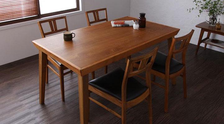 北欧デザインのダイニングテーブル。