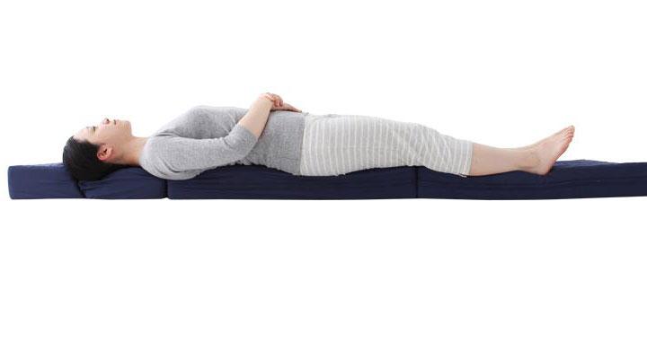 跳ね返す力で睡眠時に体全体を支えます。