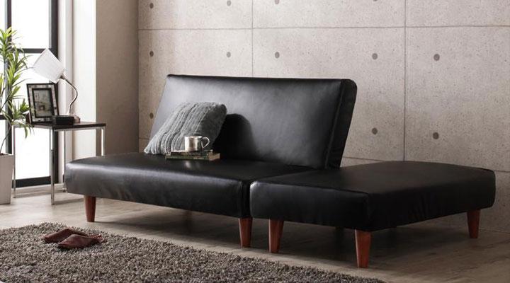 コンパクトサイズのソファーベッド。