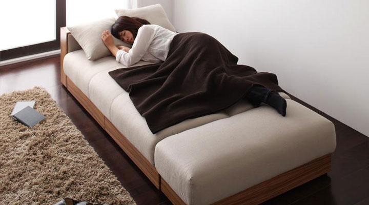 200cmの幅広ベッド。