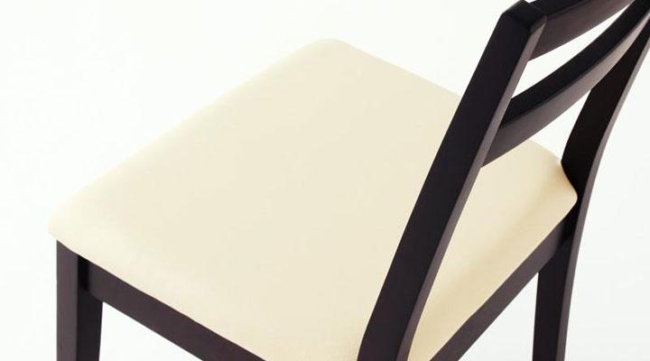 座面は合皮素材。
