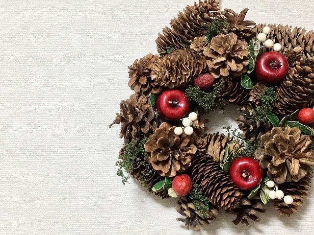 木を使った雑貨で北欧クリスマスのムードを高めよう